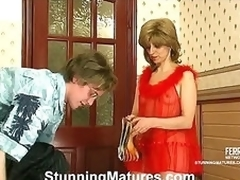 Alana&Tobias seductive mom on video