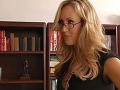 milf hvit moden blonde lærer leksjon blowjob kontor gammel og ung