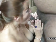 amatør milf moden mamma husmor kone gruppe blowjob oral rødhårete
